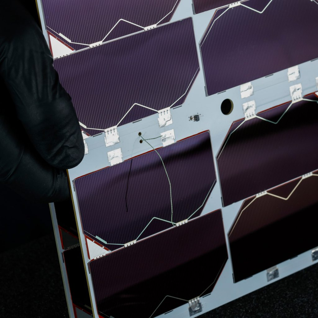 6u-cubesat-deployable-solar-panel-endurosat (5)