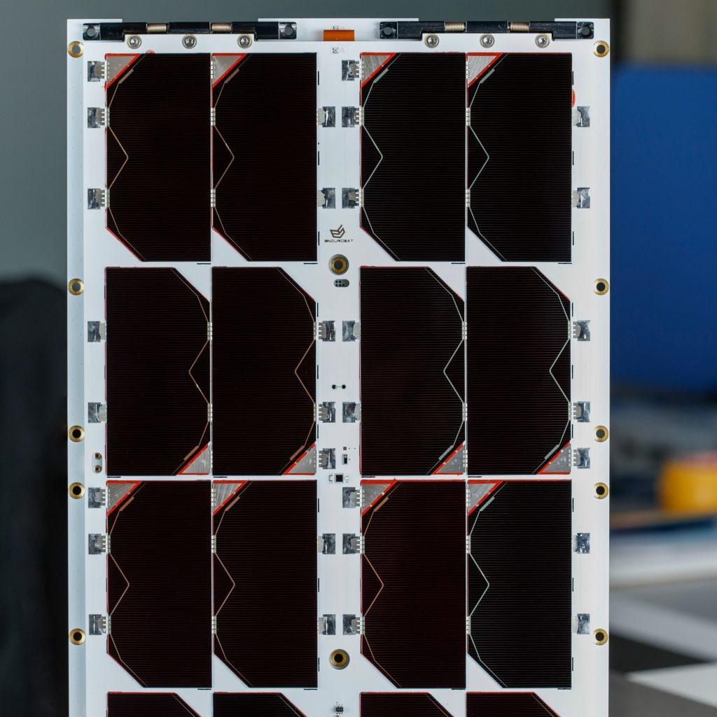 6u-cubesat-deployable-solar-panel-endurosat (6)