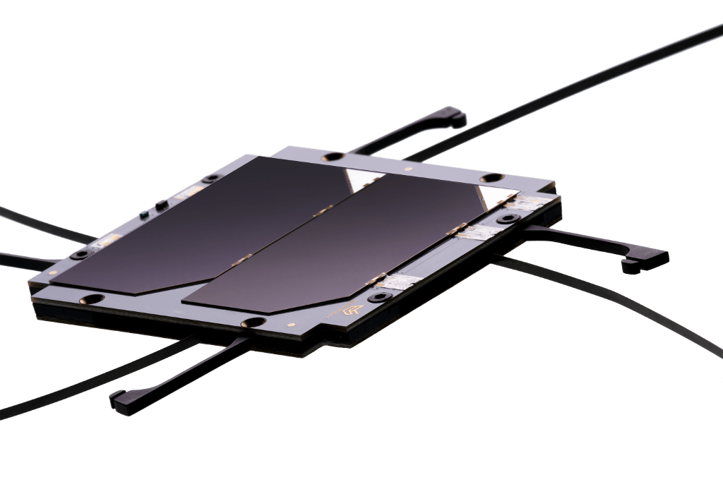 cubesat-uhf-antenna-solar-panel-z-pack