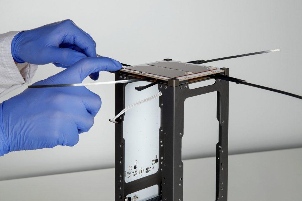 3u-cubesat-structure-platform-nanosat-endurosat-03