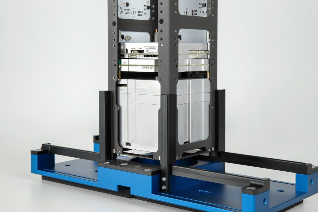 3u-cubesat-structure-platform-nanosat-endurosat-09
