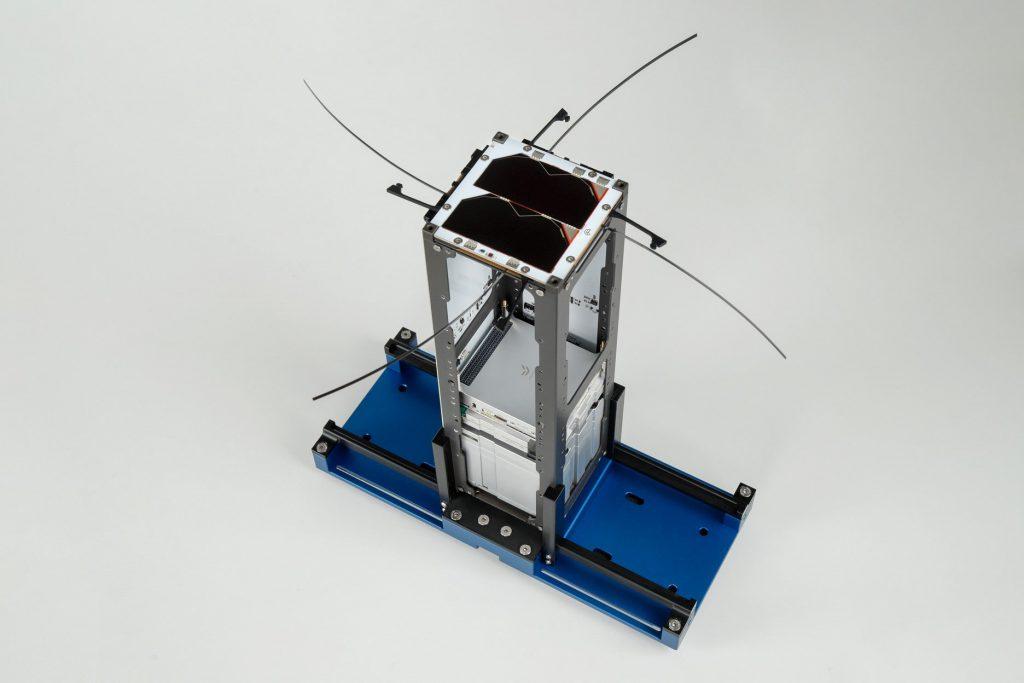 3u-cubesat-structure-platform-nanosat-endurosat-10