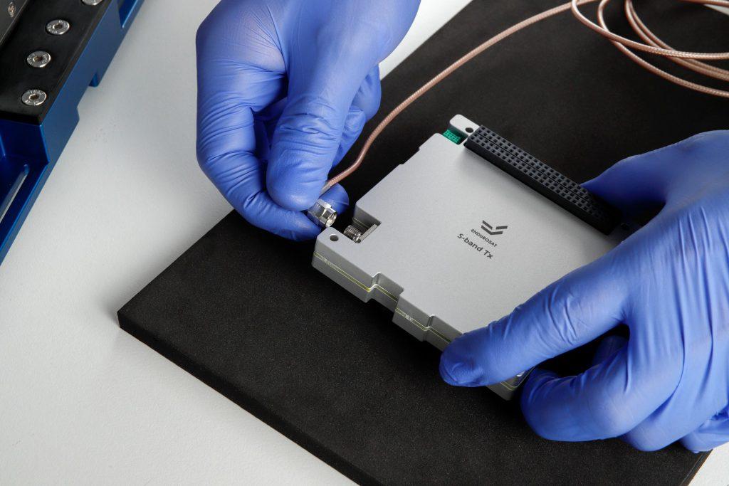 cubesat-s-band-transmitter-tx-images-endurosat-06